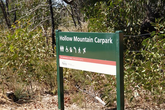 Aussies Hike Hollow Mountain, Grampians Victoria