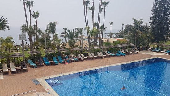 Amathus Beach Hotel Limassol: 20180412_124906_large.jpg