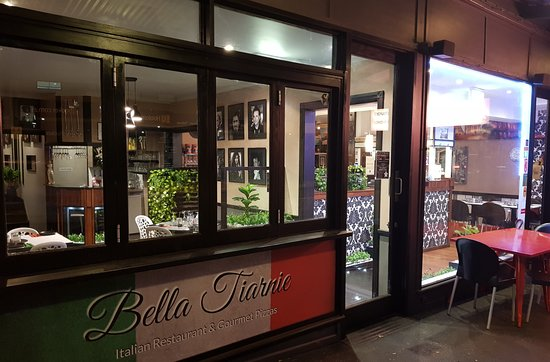 bella tiarnie italian restaurant gourmet pizzas. Black Bedroom Furniture Sets. Home Design Ideas