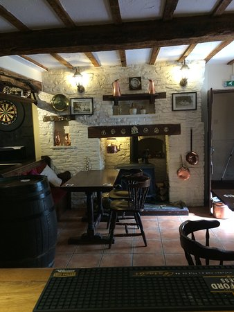 Ewyas Harold, UK: COSEY  INSIDE BY THE FIRE