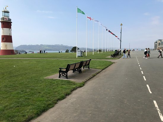 Plymouth Hoe: Seating And Smeaton Tower