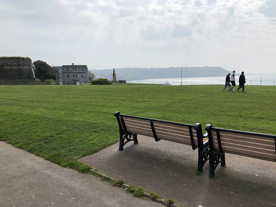 Plymouth Hoe: Sea Views