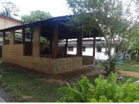 Dodanduwa, ศรีลังกา: New traditional Sri Lankan kitchen and dining area