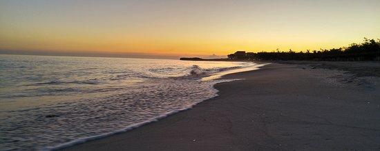 Ocean Vista Azul: Small beach area
