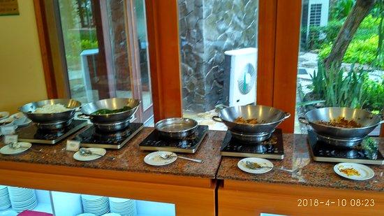 Novotel Surabaya Hotel and Suites: IMG_20180410_082305_HDR_large.jpg
