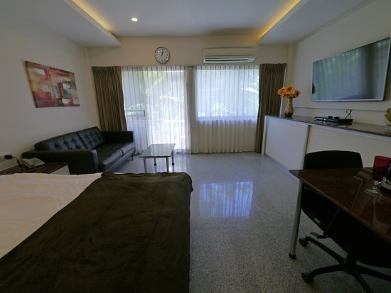 Diana-Oasis Residence Hotel/Studios & Garden Restaurant: C-Premium