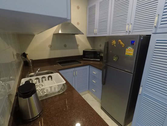 Diana-Oasis Residence Hotel/Studios & Garden Restaurant: A-87 Full kitchen with Meow's Private Rentals