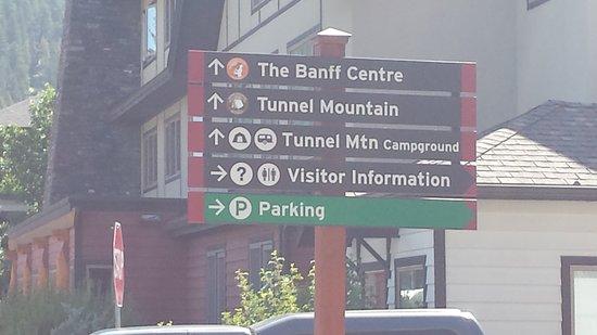 Banff Visitor Centre: Banff Visitor Information - August 2017