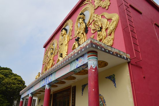 Ten Thousand Buddhas Monastery (Man Fat Sze): monastery building frontispiece