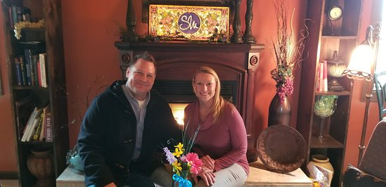Lanark, Илинойс: Lauren and Michael in front of the Fireplace