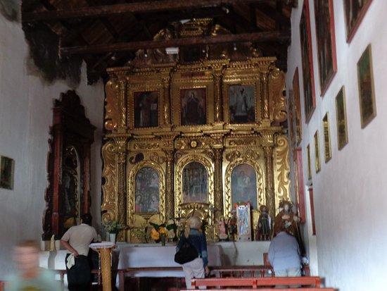 Uquia, อาร์เจนตินา: Interior de la capilla. Altar espectacular