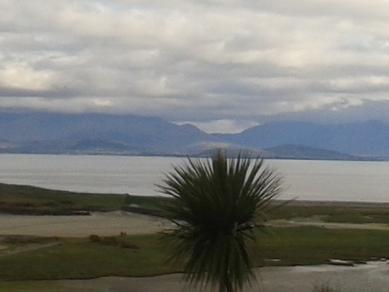 Mulranny Park Hotel: View on arrival at the hotel, across Clew Bay