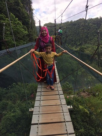 Maros, Indonesien: Helena Sky Bridge