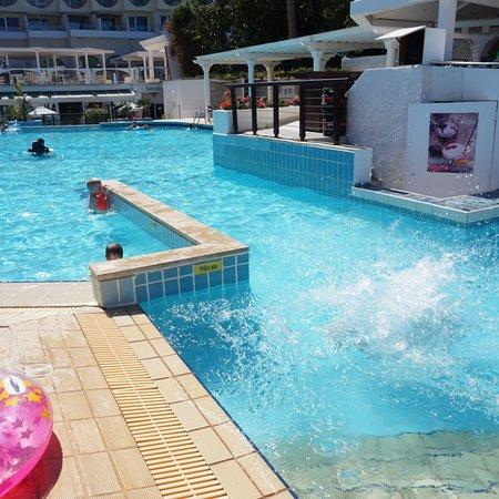 Golden Coast Beach Hotel : photo1.jpg