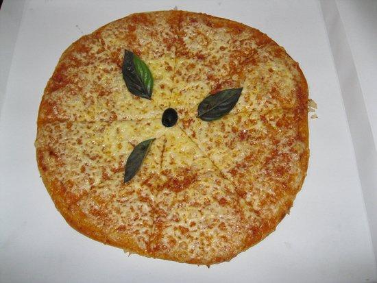 La Boca, คิวบา: Cheese pizza (called Neapolitan in Cuba) was a life saver.