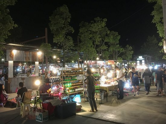 ‪Centrepoint Night Market‬