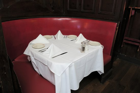 Musso & Frank Grill: Your table awaits