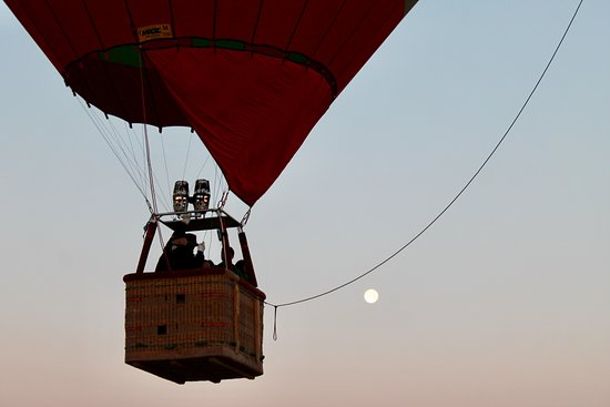 1-hour Private TOP VIP Hot Air Balloon Flight North Marrakech with Breakfast: Beautiful breakfast ballooning!