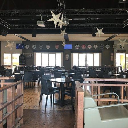 Restaurante marjal plaza restaurant en crevillent con for Cocinas europeas