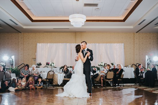 Hilton Garden Inn Cedar Falls: First dance, photo by Chelsea Dawn Weddings