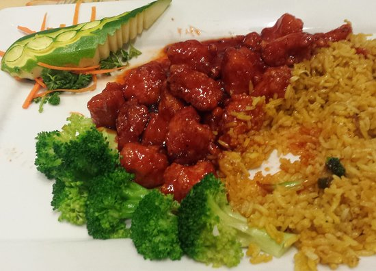 Wauseon, OH: General Tso's and fried rice