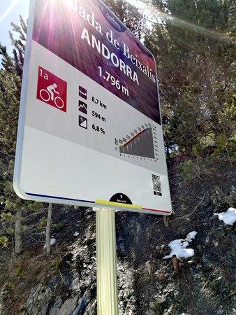 L'aldosa, Андорра: Hito al llegar a la collada de Beixalís (Vuelta y Tour)