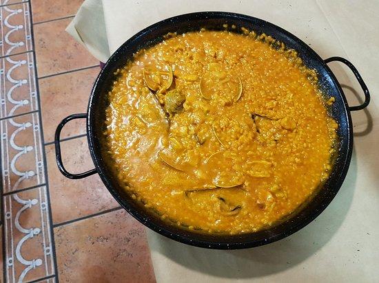 Yuncos, Spain: N avons pas été déçu.  Avons mangé 3 soirs de suite ds ce restaurant.