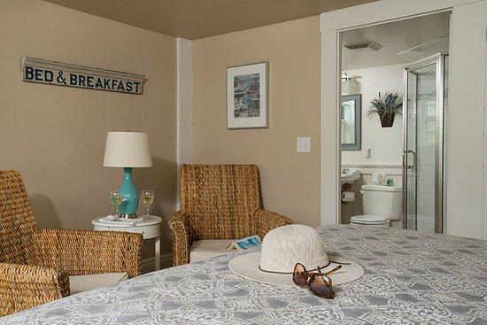 East Orleans, MA: Standard King room #1