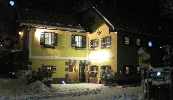 Bad Goisern, Oostenrijk: Kleines uriges Haus mit vielen Möglichkeiten für Outdoor