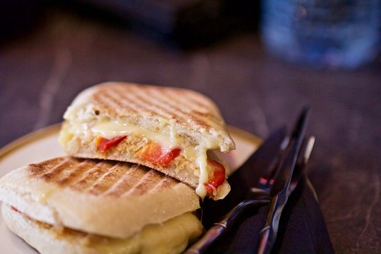 Patisserie La Reine: lovely homemade panini