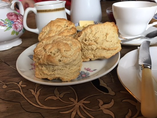 Newton Poppleford, UK: It was all about the scones, warm and salty, but also about the tea in real china cups.
