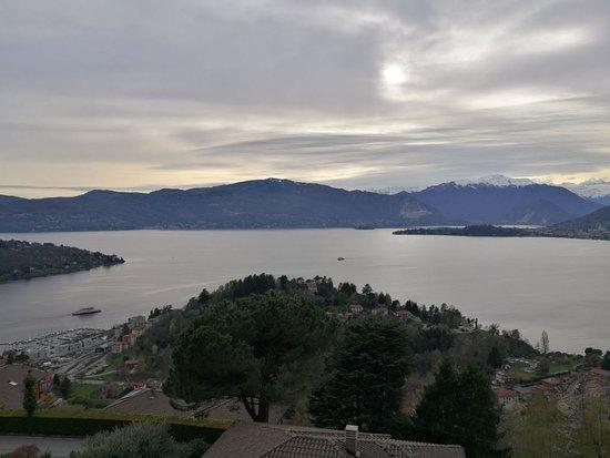 La camera e il lago italie laveno mombello lac majeur voir les tarifs et avis chambres d - Chambre d hote lac majeur ...