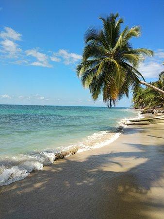 Korrigan Lodge: playa arrecife a 5 cuadras