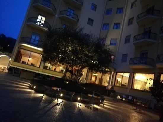 Conca Park Hotel: IMG_20180413_200129_large.jpg