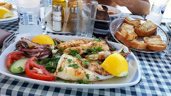 Nikolas Beach: pranzo in acqua