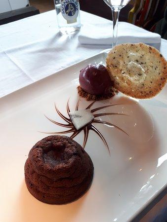 Barrika, إسبانيا: Volcán de chocolate