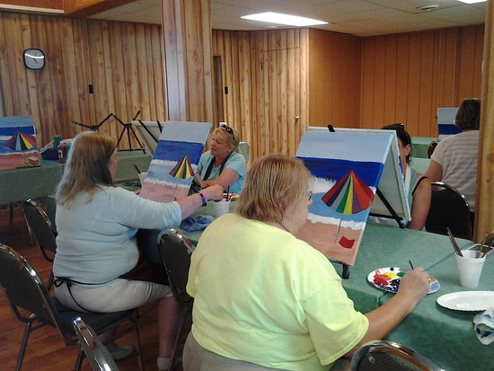 Shelby, OH: Wine and Paint