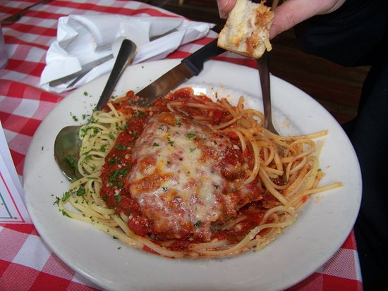 Michael's Italian Restaurant: Chicken Parm