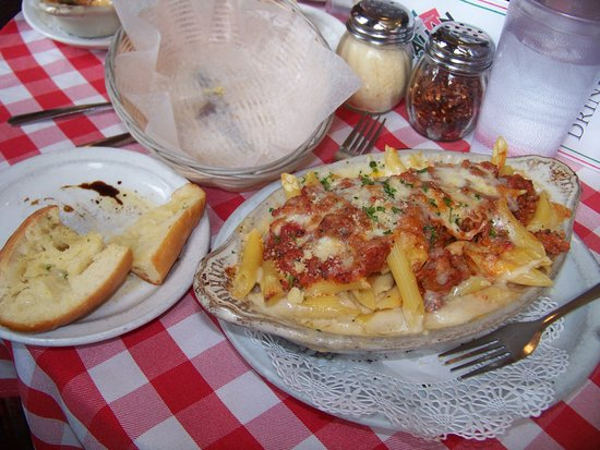 Michael's Italian Restaurant: Baked Ziti