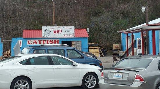 Wise, فيرجينيا: Piggy Went A Smokin' BBQ and Catfish