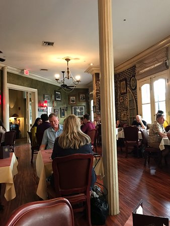 Muriel's Jackson Square: Main dinning area
