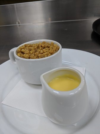 Thrapston, UK: Apple and Cinnamon crumble, come check out our homemade desserts.