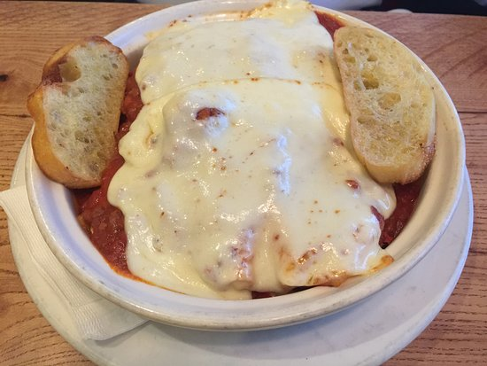 Westchester, IL: Lasagna at Giordano's Restaurant