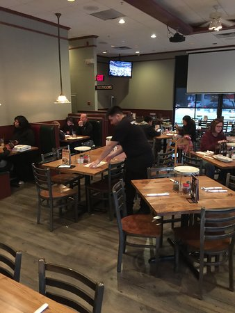 Westchester, IL: Indoor seating at Giordano's Restaurant