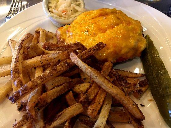 Canonsburg, Pensilvania: Tuna on rye Power Lunch