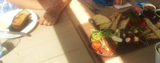 Mullaloo, Australie : Banana bread and the tasting board
