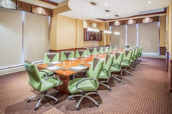 Wauwatosa, WI: Meeting room