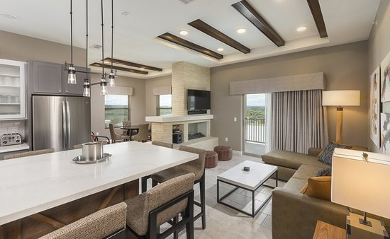 Marble Falls, TX: Suite