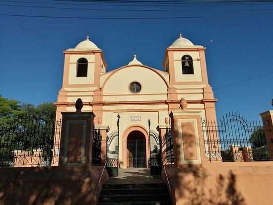 Villa Tulumba, Argentina: Frente de la Iglesia