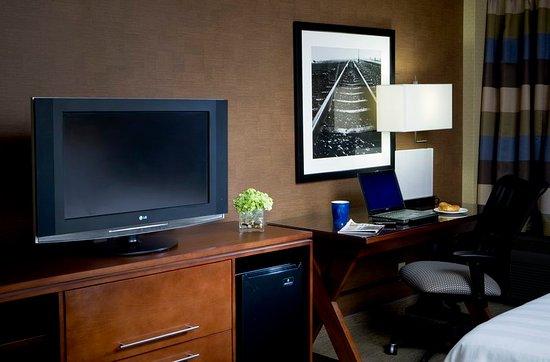 Crowne Plaza Hotel Kansas City Downtown 154 ̶1̶7̶8̶